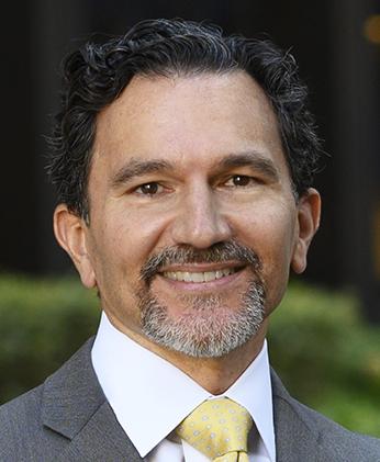 Pablo L.  Petrozzi