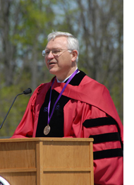 Ed Diller Addresses the Bluffton University Class of 2007